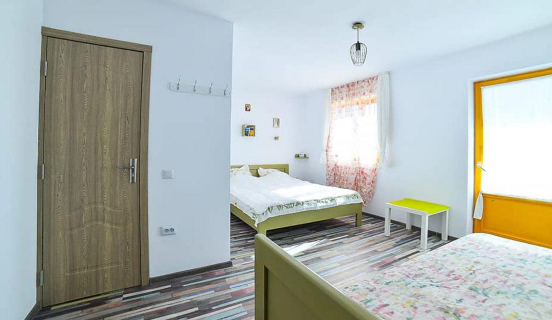 Room 11 – Olives